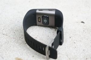 fitbit surge test gps multi sport fitness tracker mit. Black Bedroom Furniture Sets. Home Design Ideas