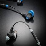 Zwei austauschbare Ear Locks sowie drei Ohrstöpsel in unterschiedlichen Größen sorgen beim Run Free Pro für passgenauen Sitz im Ohr.
