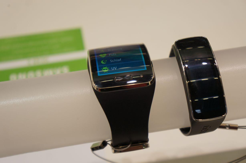 Samsung Gear S mit gewölbtem SUPER Amoled Display