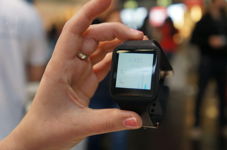Sony Smartwatch3 SWR50 Schrittzähler