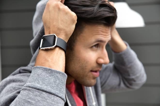 Fitbit Blaze in schwarz (Quelle: Fitbit)