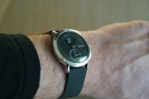 Withings Steel HR am Handgelenk