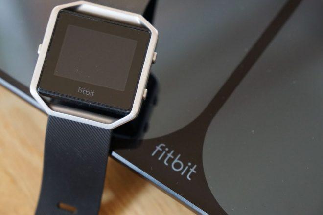 Ergänzender Fitbit Tracker Blaze