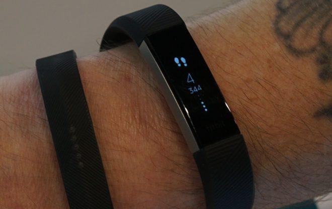 Schrittzähler Armband Fitbit Alta HR Test: Schritte
