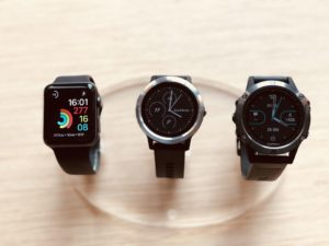 Apple Watch 3 vs Garmin Vivoactive 3 vs Garmin Fenix 5