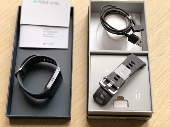 Fitbit Ionic Unboxing