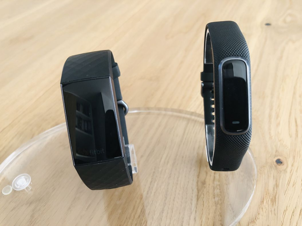 19a223b2200875 Fitbit Charge 3 vs Garmin Vivosmart 4: Welchen nehme ich ...