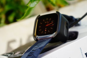 Fitbit Versa 2: Ladeschale