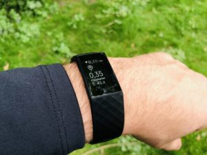Fitbit Charge 4 Test: i.d.R. leicht ablesbar