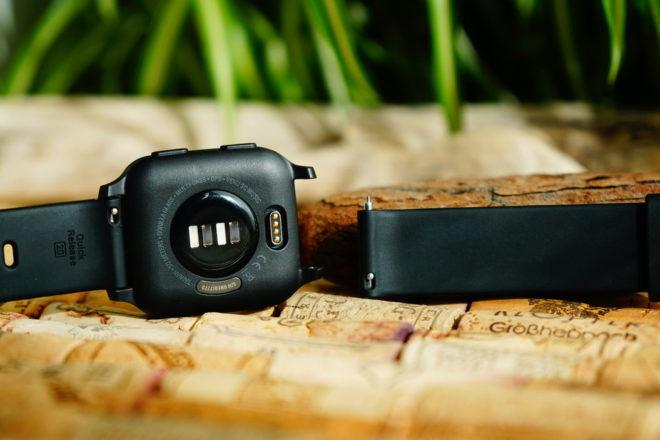 Garmin Venu Sq: einfachers Wechseln der Armbänder